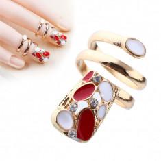 Inel fashion cu unghie