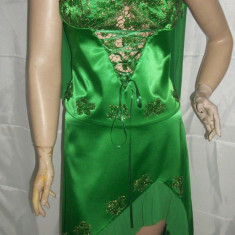 Rochie cu trena, din saten lucios de culoare verde (Culoare: VERDE, Marime: 38) - Rochie de seara, Maxi, Satin