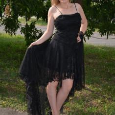 Rochie superba de ocazie, cu insertie de broderie neagra si trena (Culoare: NEGRU, Marime: 36) - Rochie ocazie, Cu bretele
