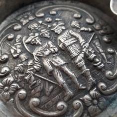 Scrumiera argint 833 cu scene VANATORESTI veche Splendida Superba de colectie, Vas