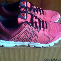 Adidasi Reebok Yourflex crossfit/fitness 38, 40EU -produs original- IN STOC - Adidasi dama Reebok, Culoare: Roz