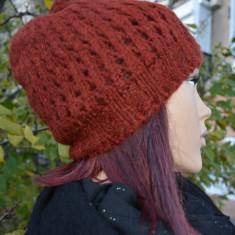 Caciula visinie de iarna din material tricotat cu model ajurat (Culoare: VISINIU, Marime: UNIVERSAL) - Caciula Dama