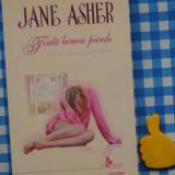 Toata lumea pierde Jane Asher - Roman