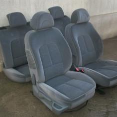Set scaune si banchete Peugeot 407