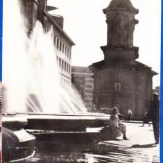 C75 RPR CP vedere circulata 1968 Bucuresti, Biserica Cretulescu, fantana arteziana - Carte Postala Muntenia dupa 1918, Fotografie