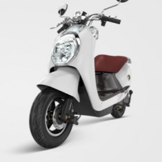 Moped, scuter electric, necesita inmatriculare ZT-23 EEC DIAMOND