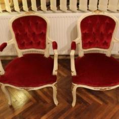 Salon deosebit antic in stilul Rokoko compus din 2 fotolii si canapea