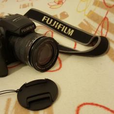 Aparat foto Fujifilm - DSLR Fuji