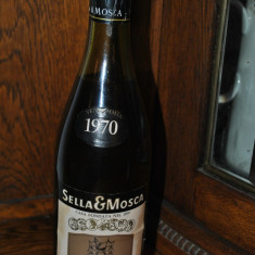 STICLA DE VIN VECHI DE COLECTIE SELLA MOSCA, AN 1970 - Vinde Colectie, Aroma: Sec, Sortiment: Rosu, Zona: Europa