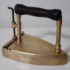 Fier de calcat vechi de bronz NR.9 - Metal/Fonta