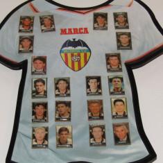 Lot 20 insigne fotbal - echipa CF VALENCIA (inclusiv jucatorul Adi Ilie) - Insigna fotbal