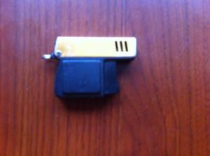 bricheta mica tip pistol breloc cu gaz veche de colectie made in japan hobby rar