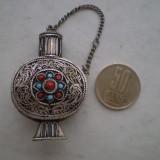 Vechi recipient [sticluta] parfum , argintat, Figurina