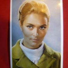 Fotografia actritei Alexandra Bastedo - Anglia, cu autograf tiparit