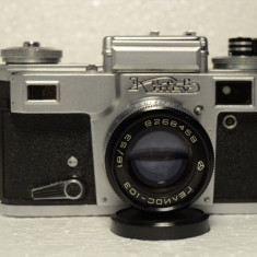 Kiev-4M cu obectiv Helios-103 53mm f/1.8 - Aparat Foto cu Film Kiev