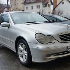 Mercedes-Benz C200 CDI Elegance Automatic, An Fabricatie: 2004, Motorina/Diesel, 296000 km, 2148 cmc, Clasa C