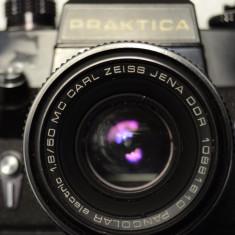 Praktica EE2 cu obiectiv MC Carl Zeiss Jena Pancolar electric f:1.8 50 mm M42 - Aparat Foto cu Film Praktica