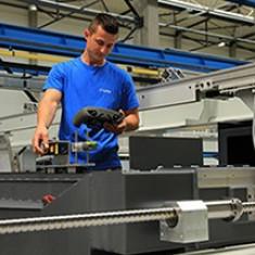 Service: reparatii modernizari intretinere CNC masini comanda numerica