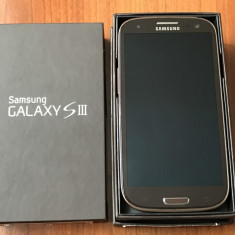 Samsung Galaxy S3 - Telefon mobil Samsung Galaxy S3, Maro, 16GB, Neblocat, Quad core, 1 GB