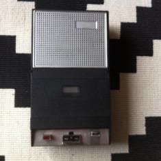 Casetofon philips portabil cu baterii si microfon vechi vintage hobby colectie
