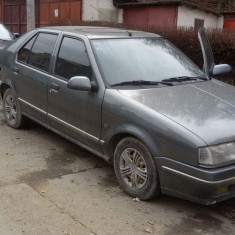 Masina Renault 19, An Fabricatie: 1998, Benzina, 200000 km, 1900 cmc