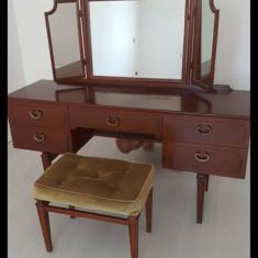 Masa machiaj - Oglinda dormitor