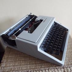 Masina scris mecanica OLIVETTI DORA - Masina de scris