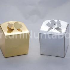 Marturii nunta/botez cutiuta cadou sistem inchidere fluture 5x5 cm,