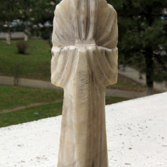 Calugar Sensei Maestru chinez statuie sculptura in marmura pe soclu de lemn, Religie, Asia