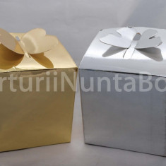 Marturii nunta/botez cutiuta cadou sistem inchidere fluture 7.5x7.5 cm,