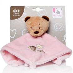 Plus Bebe Ursulet 26 cm cu Paturica si Zornaitoare Roz - Jucarii plus