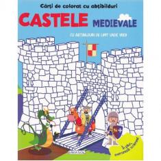 Carte de Colorat cu Abtibilduri - Castele Medievale