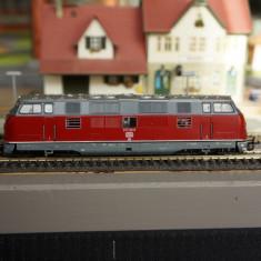Locomotiva diesel BR 221 - scara TT - Macheta Feroviara, Locomotive