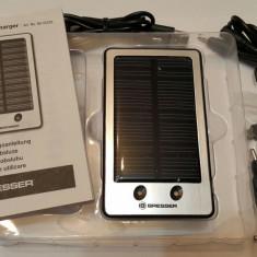 Incarcator solar cu acumulatori Li-Ion 2000 mah - Baterie externa