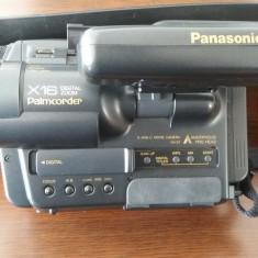 CAMERA VIDEO PANASONIC S -VHS-C MODEL NV-S7, X16 PALMCORDER