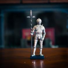 Statuetă Armura de lupta pedestra Henric VIII - Sculptura