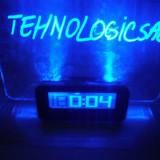 Ceas de birou cu tabela de mesaj cu indicator temperatura alarma