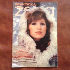 Revista de moda limba Ceha / Cehoslovacia - Prakticka Zena nr 1 / 1981 - 32 pag - Revista moda