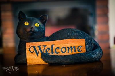 Statuetă pisică cu semn Bine ați venit foto