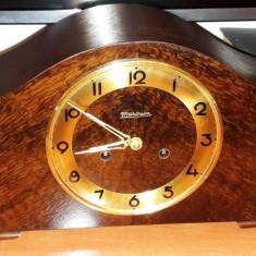 Ceas de semineu cu pendul