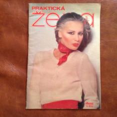 Revista de moda limba Ceha / Cehoslovacia - Prakticka Zena nr 3 / 1981 - 32 pag - Revista moda