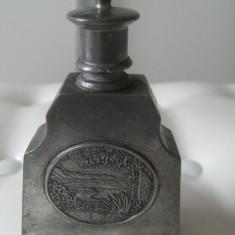 Recipient pt. parfum, vechi, marcat Peltro 95%,Lisomucil,stare perfecta,de decor
