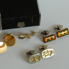 Seturi de butoni vintage - masina de epoca, avion