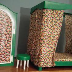 Set mobilier pentru papusi, joaca copii: dulap, pat cu baldachin si scaunel