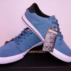 Tenesi Converse Originali, piele naturala. Blue si negru.