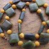 Colier jasp olive si gresie mustar