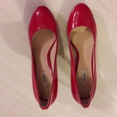 Pantofi dama GUESS, rosii, marimea 41, noi - Pantof dama Guess, Culoare: Rosu, Marime: 42