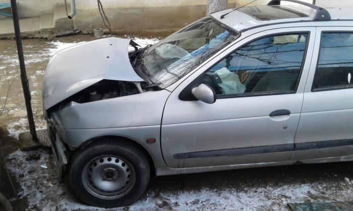 Renault Megane foto mare