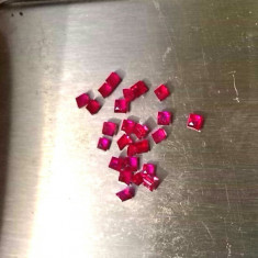 RUBY_lot rubin 2mm taiate patrat-1.6 ct