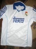 Tricou al Echipei Fotbal Real Madrid  - Jucator Figo , Masura XL, Alb